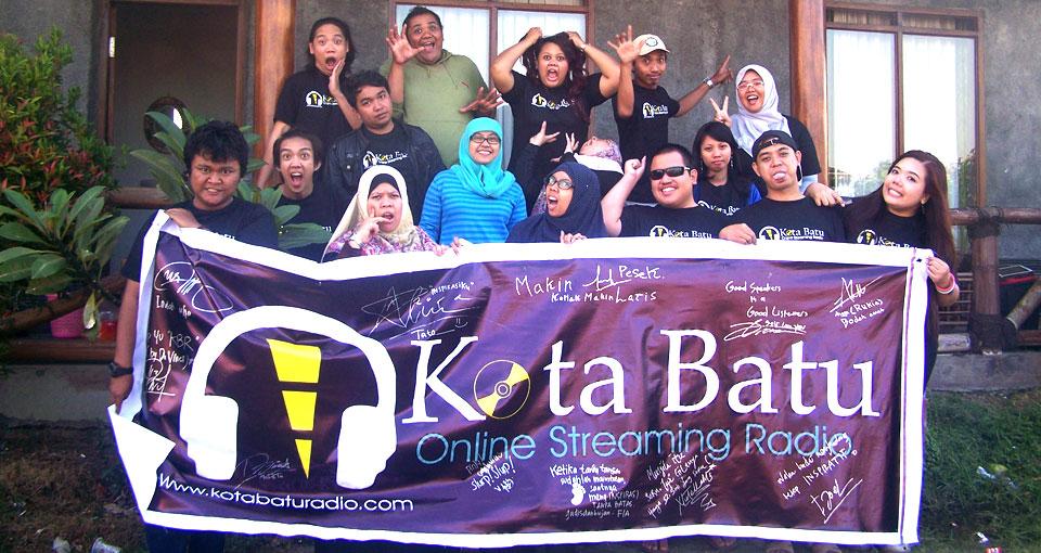 gathering-radio